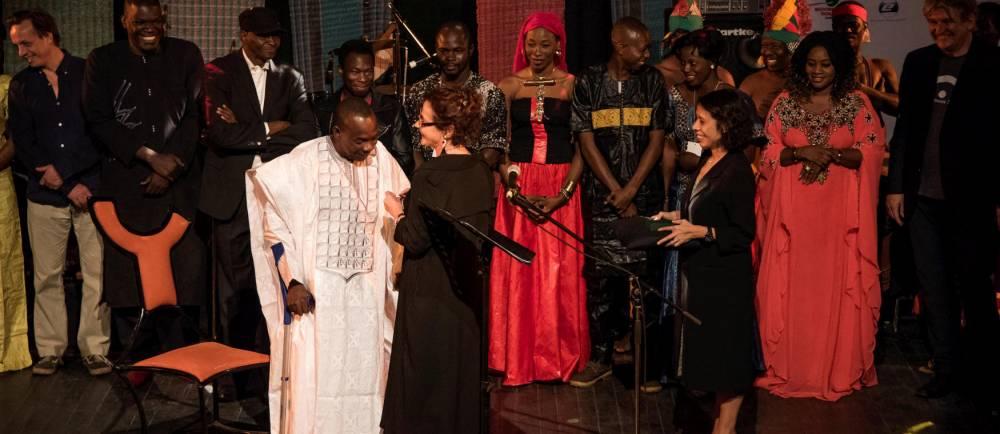 "Festival AcoustiK Bamako (FAB) 2eme edition. Soiree de cloture -M- ""Lamomali"" en avant premiere mondiale a Bamako © Nicolas REMENE/REA Nicolas REMENE/REA / Nicolas REMENE/REA"