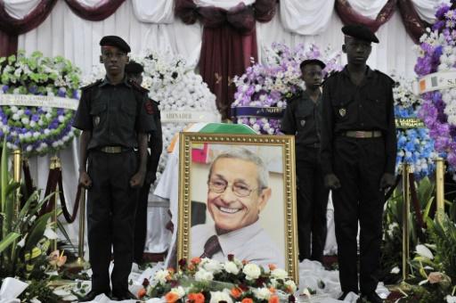 """Les funérailles d'Yves Lambelin, l'un des quatre """"disparus du Novotel"""", le 2 juillet 2011 à Abidjan, en Côte d'Ivoire © ISSOUF SANOGO AFP/Archives"""