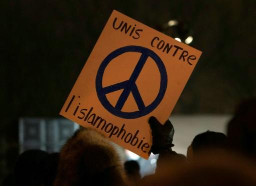 Rassemblement en hommage aux victimes de la fusillade contre la mosquée de Québec, le 30 janvier 2017 © Alice Chiche AFP