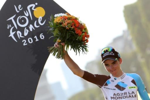 Le Français Romain Bardet, 2e du Tour de France, pose sur le podium aux Champs-Elysées, le 24 juillet 2016 © KENZO TRIBOUILLARD AFP/Archives
