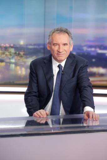 François Bayrou sur le plateau du JT de TF1, le 31 janvier 2017 à Boulogne-Billancourt près de Paris © GEOFFROY VAN DER HASSELT AFP