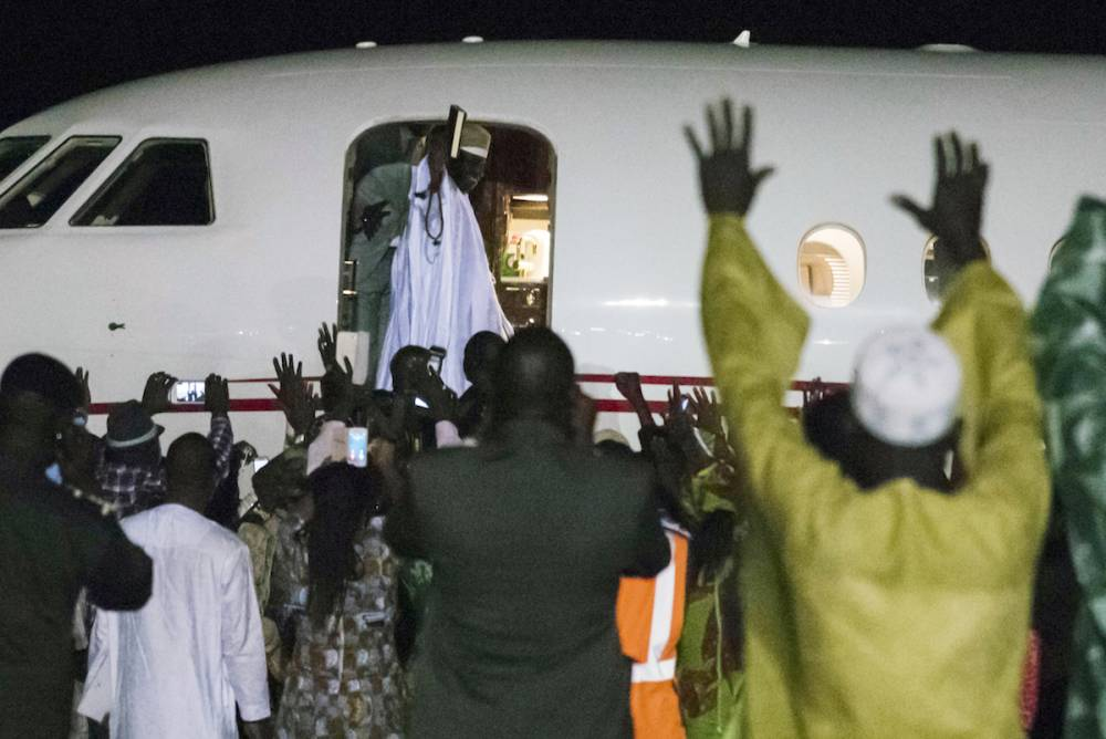 L'ex-président Yahya Jammeh au moment de son départ vers la Guinée équatoriale le 21 janvier 2017. © STRINGER STRINGER / AFP