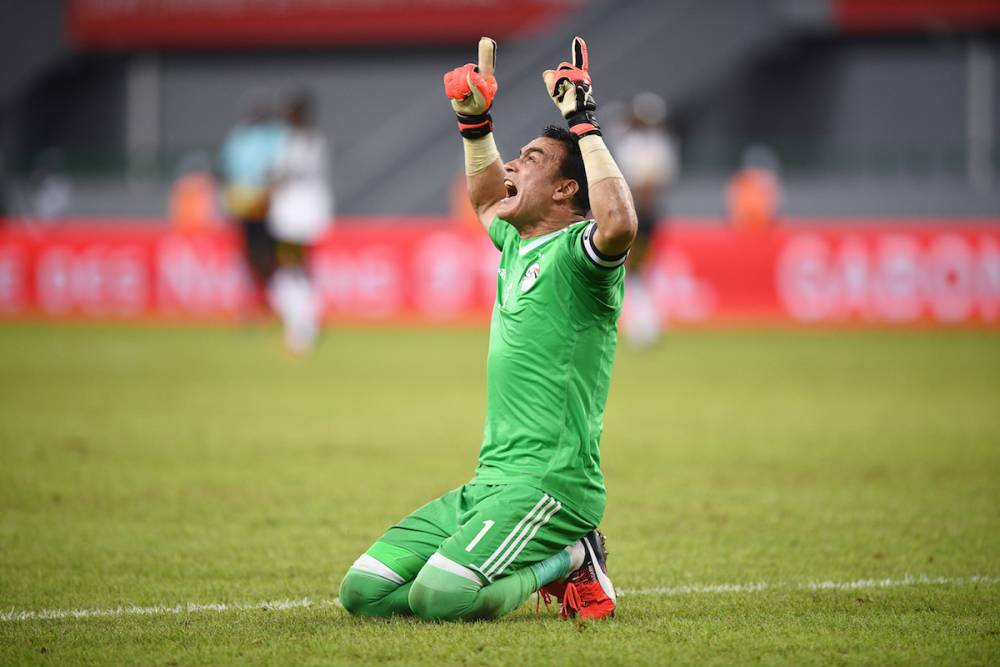 Essam El-Hadary exulte après la victoire de l'Egypte sur le Ghana à Port-Gentil le 25 janvier 2017. ©  JUSTIN TALLIS / AFP