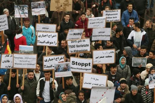 Manifestation à Dusseldorf, en Allemagne, contre l'expulsion de migrants vers l'Afghanistan, le 11 février 2017  © David Young dpa/AFP