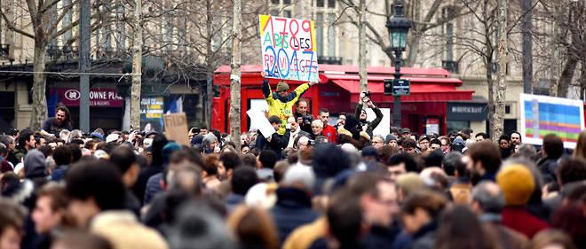 L'un des grands rassemblements a eu lieu à Paris, sur l'iconique place de la République.