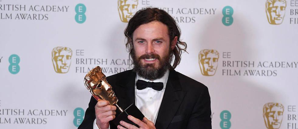 """L'acteur Casey Affleck a reçu un prix aux Bafta (British Academy Film Awards) pour le film """"Manchester by the Sea"""" produit par Amazon."""