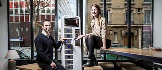 Inspirés. Anne Mouchet et Jérémie Navarro ont cofondé la start-up The Charging Place, créatrice de bornes de rechargement de smartphone. ©RGA/REA