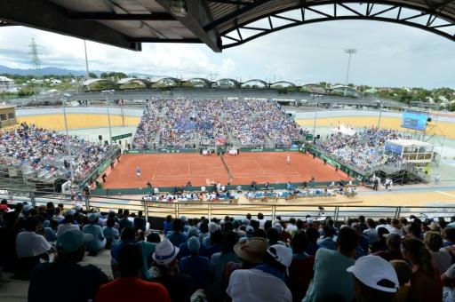 Le stade Vélodrome à Baie-Mahault en Guadeloupe, lors de la Coupe Davis le 6 mars 2016 © MIGUEL MEDINA AFP