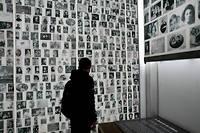 Visite du mémorial par Arnaud, élève de cinquième âgé de 12 ans. Histoire, éducation, philosophie, réflexion sur l'histoire, génocide juif. ©Marta NASCIMENTO/REA