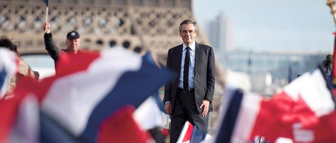 Baume. Au Trocadéro, le 5mars, François Fillon, dont le sort semble alors scellé, estacclamé par ses sympathisants.