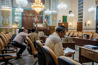 À Rosh Hashanah, des fidèles en prière dans la synagogue Yusef Abad, l'une des plus importantes de Téhéran. ©Oleksandr Rupeta