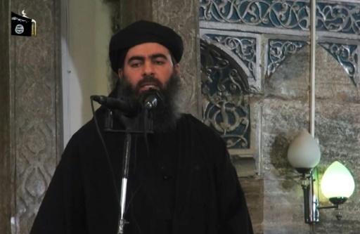 Capture d'écran d'une vidéo de propagagne fournie le 5 kiommr 2014 par al-Fuqan Media de Abou Bakr al-Baghdadi lors d'un prêche à Mossoul © - AL-FURQAN MEDIA/AFP