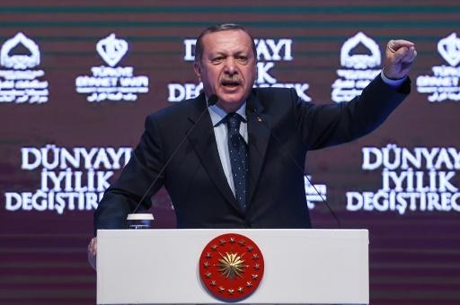 Le président turc Recep Tayyip Erdogan lors d'un meeting, le 12 mars 2017 à Istanbul © OZAN KOSE AFP