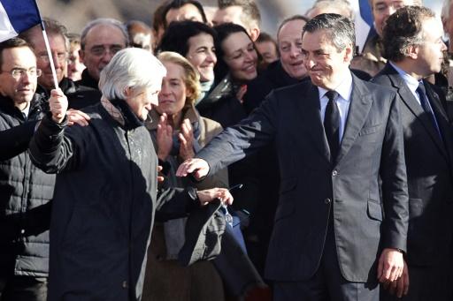 Penelope et François Fillon lors du rassemblement sur l'esplanade du Trocadéro le 5 mars 2017 à Paris © GEOFFROY VAN DER HASSELT AFP/Archives