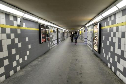 Photo prise le 3 avril 2011 d'un tunnel pour piétons de la gare RER de Noisy-le-Sec où un heune homme de 19 ans a été roué de coups par une dizaines de jeunes, la veille © FRANCOIS GUILLOT AFP/Archives