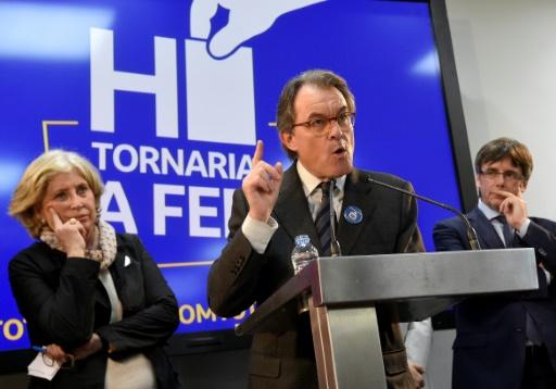 L'ancien président du gouvernement catalan Artur Mas lors d'une conférence de presse, le 13 mars 2017 à Barcelone après l'énoncé du verdict de la Cour d'appel de Catalogne © LLUIS GENE AFP