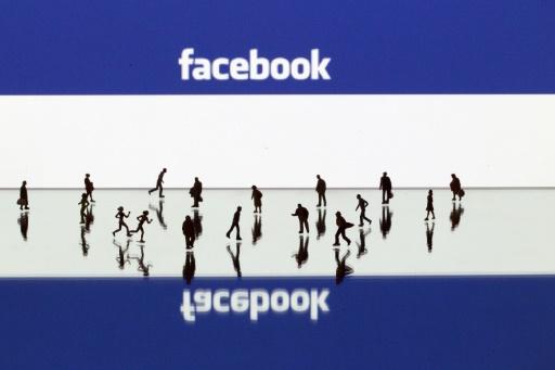 """""""A 100.000 likes, je présente la météo à la TV"""", avait lancé Mélanie dans une campagne sur Facebook début mars. Elle en a reçu plus de 200.000 en dix jours. © JOEL SAGET AFP/Archives"""