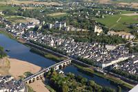 Chinon, vue aérienne ©Fabiennne BOUEROUX