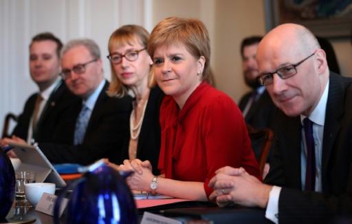 La Première ministre écossaise Nicola Sturgeon (c) lors d'une réunion de son cabinet, le 14 mars 2017 à Edimbourg © Jane Barlow POOL/AFP/Archives