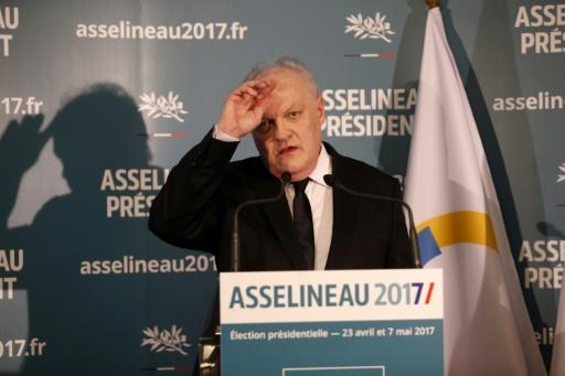 François Asselineau lors d'une conférence de presse le 10 mars 2017 à Paris © GEOFFROY VAN DER HASSELT AFP/Archives