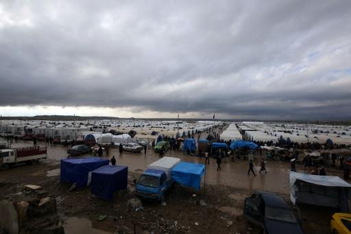 Le camp de déplacés de Hammam al-Alil, au sud de Mossoul, le 16 mars 2017 © AHMAD AL-RUBAYE AFP