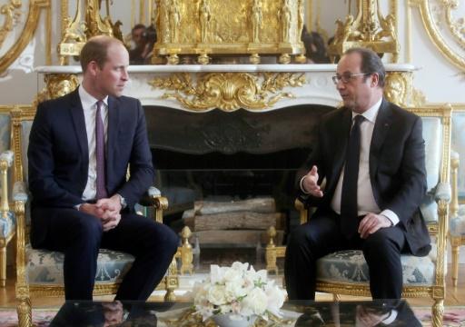 Le prince William (G) et le président François Hollande au palais de l'Élysée à Paris, le 17 mars 2017  © Thibault Camus POOL/AFP