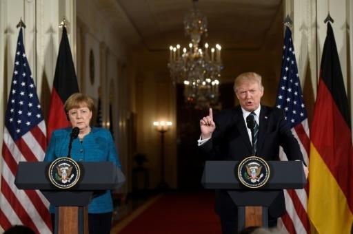 La chancelière allemande, Angela Merkel et le président américain Donald Trump à la Maison Blanche, le 17 mars 2017 à Washington © SAUL LOEB AFP