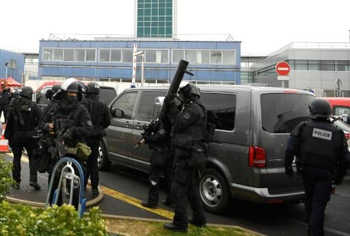 Arrivée des policiers du RAID le 18 mars 2017 à Orly où un homme a attaqué une militaire  © CHRISTOPHE SIMON AFP