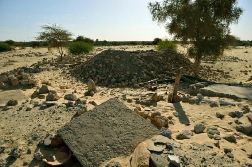Ruines du mausolée de Sidi Mahmoud, au cimetière de Tombouctou au Mali, après sa destruction par des jihadistes, le 29 janvier 2013 © ERIC FEFERBERG AFP/Archives