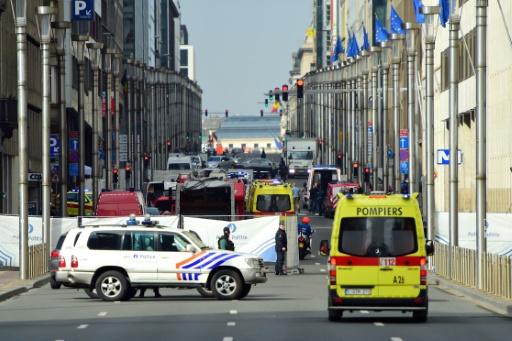 Des véhicules de police et des pompiers près de la station de métro Maalbekk après une explosion, le 22 mars 2016 à Bruxelles © EMMANUEL DUNAND AFP/Archives