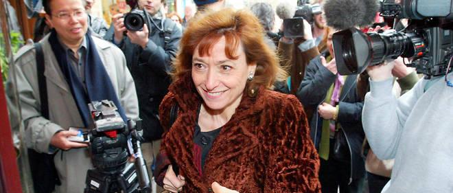 Noëlle Lenoir fut la première femme nommée au Conseil constitutionnel, où elle a siégé de 1992 à 2001.