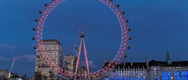 L'enquête continue à Londres, où une attaque a fait au moins 40 blessés mercredi 22 mars.