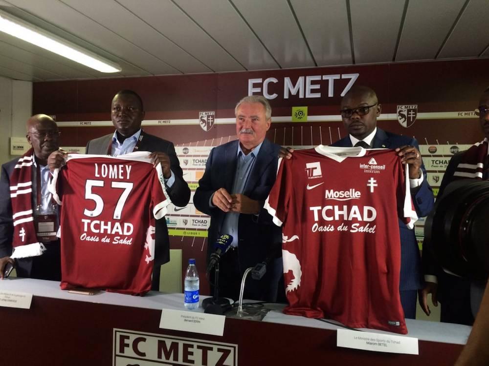 Le président Serin présentait le nouveau sponsor maillot du FC Metz, « Tchad, Oasis du Sahel ». ©  Archives Tchad