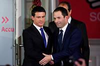 Manuel Valls avec Benoit Hamon après le verdict de la primaire socialiste. ©ERIC FEFERBERG