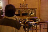 La dépouille de Bernadette Soubirous dans son sanctuaire de Nevers.