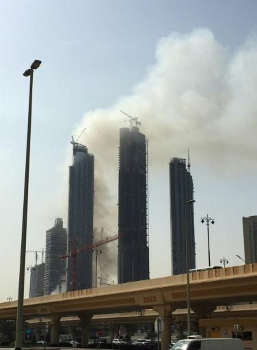 Incendie à Dubaï près de la tour la plus haute du monde, le 2 avril 2017 © Mohamad Ali Harissi AFP