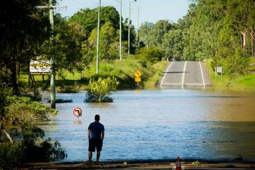 Une route inondée de North MacLean, dans l'est de l'Australie, le 1er avril 2017 © Patrick HAMILTON AFP