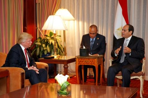 Donald Trump (à l'époque candidat à la présidentielle) rencontre le président égyptien Abdel Fattah el-Sissi, le 20 septembre 2016 à New York  © DOMINICK REUTER AFP/Archives