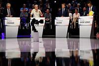 Mardi soir, pour la première fois, un débat mettait aux prises l'ensemble des candidats à la présidentielle, tous bénéficiant du même temps de parole. Un exercice qui a ses limites, mais aussi certains mérites. ©LIONEL BONAVENTURE/POOL-REA