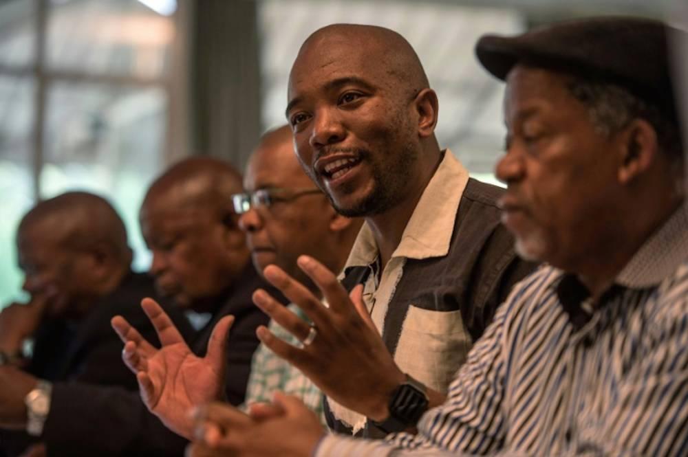 Mmusi Maimane, leader des Libéraux (DA), parti d'opposition, lors d'une conférence de presse le 3 avril 2017 à Johannesburg en Afrique du Sud. ©  AFP/Archives/MUJAHID SAFODIEN