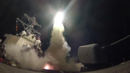 Photo fournie par la Marine américaine du destroyer USS Porter lançant un missile lors d'une opération en Méditerranée, le 7 avril 2017 © Ford WILLIAMS US Navy/AFP