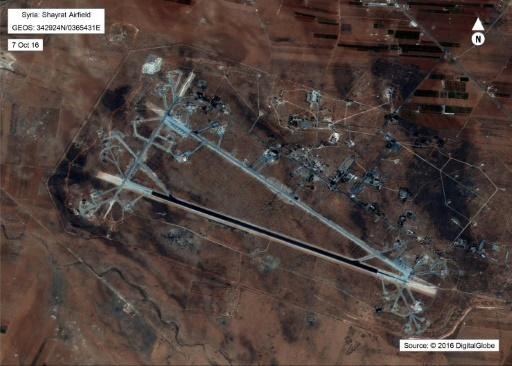 Photo fournie par le Département américain de la Défense, le 7 octobre 2016, de la base aérienne syrienne de Shayrat contre laquelle les Etats-Unis ont lancé une opération militaire le 6 avril 2017 ©  Département américain de la Défense/AFP/Archives