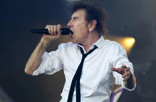 Le chanteur Alain Souchon en concert, le 16 juillet 2016 à Carhaix © FRED TANNEAU AFP/Archives