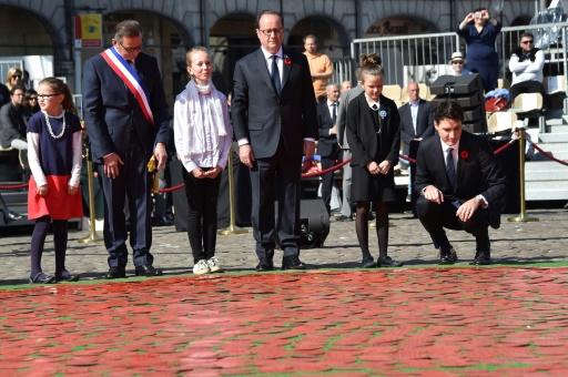 Le président François Hollande et le Premier ministre canadien Justin Trudeau le 9 avril 2017 à Arras © Philippe HUGUEN POOL/AFP