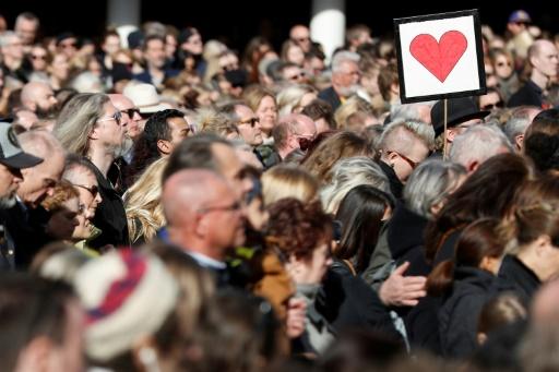 Rassemblement à Stocholm pour rendre hommage aux victimes, deux jours après une attaque au camion bélier qui a fait quatre morts, le 9 avril 2017 © Odd ANDERSEN AFP