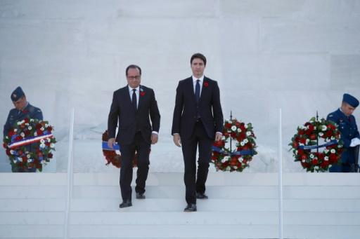 François Hollande et Justin Trudeau à Vimy, le 9 avril 2017 © CHRISTIAN HARTMANN POOL/AFP