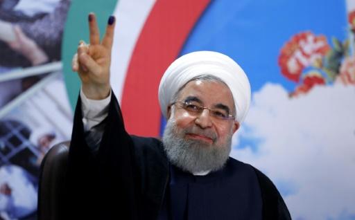 Le président iranien Hassan Rohani, après s'être officiellement enregistré comme candidat à l'élection présidentielle iranienne, le 14 avril 2017 à Téhéran © ATTA KENARE AFP