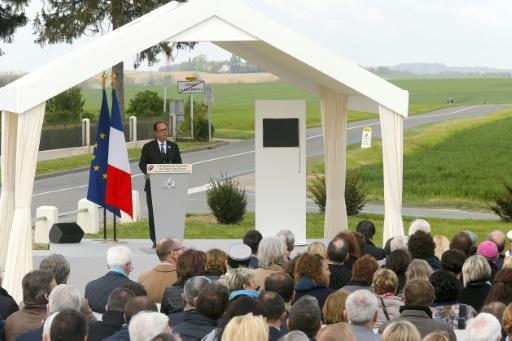 Le président François Hollande prononce un discours à Cerny-en-Laonnois, pour commémorer les 100 ans de la bataille du Chemin des Dames (Aisne), le 16 avril 2017 © FRANCOIS NASCIMBENI AFP