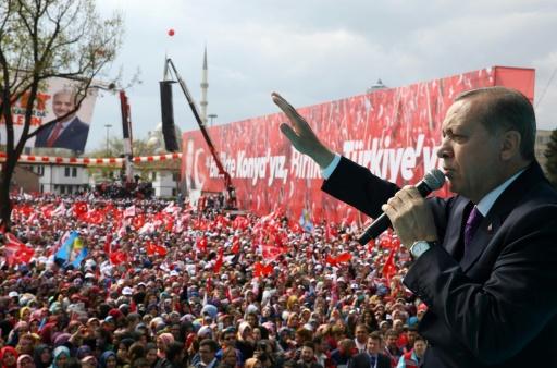 Le président turc Recep Tayyip Erdogan lors d'un meeting à Konya, le 14 avril 2017 © KAYHAN OZER Service de presse de la présidence turque/AFP