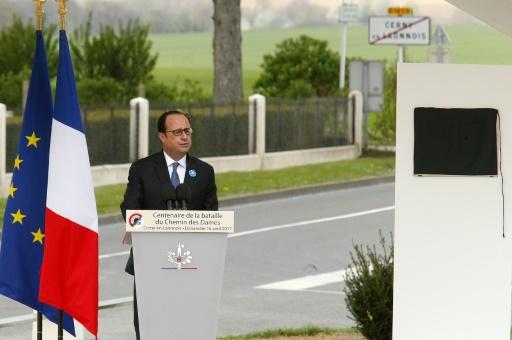 Le président Hollande prononce un discours à Cerny-en-Laonnois, dans l'Aisne, lors d'une cérémonie de commémoration du centenaire de la bataille du Chemin des Dames, le 16 avril 2017 © FRANCOIS NASCIMBENI AFP
